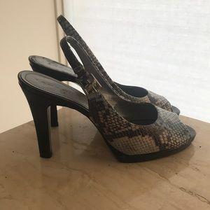 Tahari High Heel (Snake Skin)